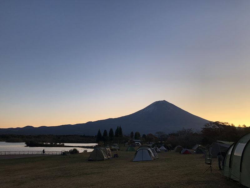 14夜明けの富士山