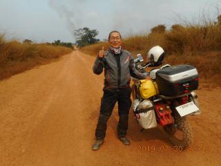 コンゴ共和国 ンデンデからのダート道